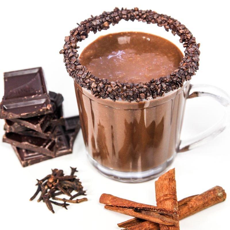 Chocolate quente em uma xícara