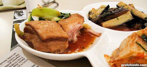 Bueno: Barriga de porco (panceta ou bacon não defumado)