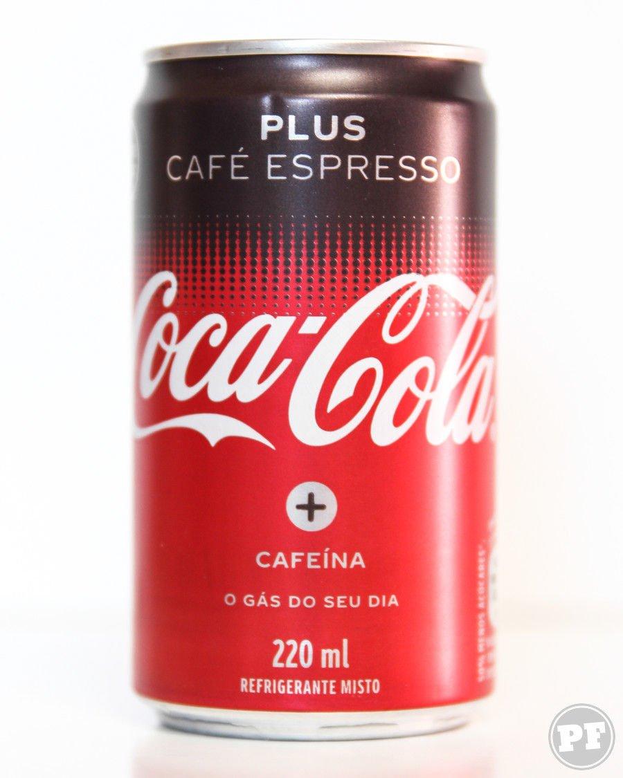 Lata de coca-cola plus café em fundo branco