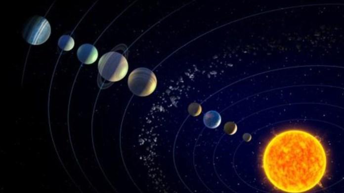 astrónomos , 4.6 billones, características Planeta, descubrimientos científicos, División de Ciencia Planetaria , fórmulas matemáticas, modelo matemático, modelos matemáticos, nuevo planeta, órbitas, simulaciones computarizadas, teoría. director, UA, 1951, Agujeros negros, Andrómeda, asteroide, astronomía, Astrónomo, Atmosfera, Científicos, cinturón de Kuiper, Cometa, comportamientos , comportamientos gravitacionales, Constelación, Cráter, cuerpo celeste, descubierto, descubiertos reciente, diez mil, Eclipse, El Planeta x, entidades, época, espacio, Estación espacial, estudio, existencia, galaxia, Gerard Kuiper, hechos, imágenes, investigacion, Jùpiter, kilómetros, Marte, masa, Mercurio, México, modelos científicos, Nasa, naves espaciales, Nebulosas planetárias, Neptuno, notación a relaciones, objetos, observación, operaciones, Órbita, OVNI, Planeta, Plenilunio, pluton, realidad, saturno, sistema solar, sistemas complejos, sol, Tecnología, telescopio, Tierra, Transbordador espacial, Urano, variables, veinte mil años , Venus