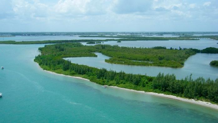 Circle Be Bar, Indian River Lagoon, Safari Wilderness, Bok Tower, Westgate River Ranch, Florida, Estados Unidos, destinos turísticos, turismo Florida, naturaleza