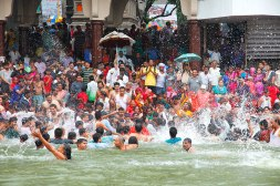SADHUS FROM AKHARA HAVING ROYAL BATH