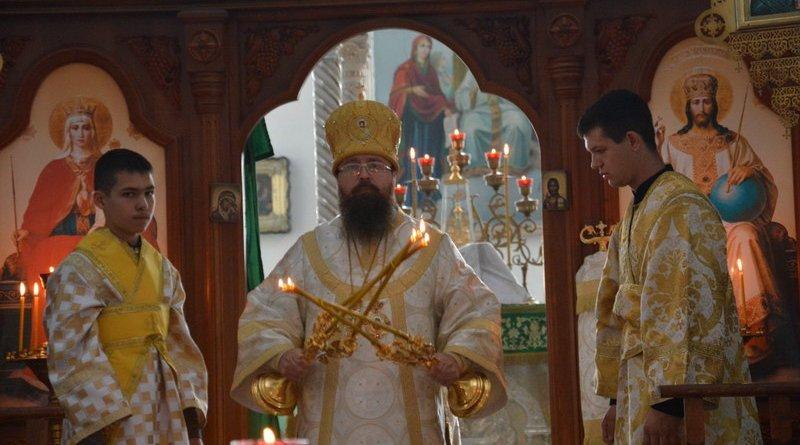 Епископ Павел совершил воскресное богослужение