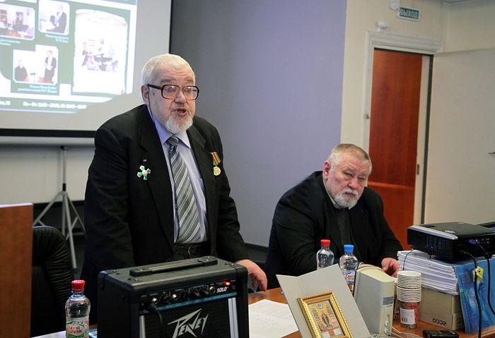 Академик Павел Васильевич Флоренский, Александр Викторович Московский (справа)