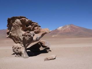 Arbol_de_Piedra_Salar_de_Uyuni_tour_Bolivia.JPG