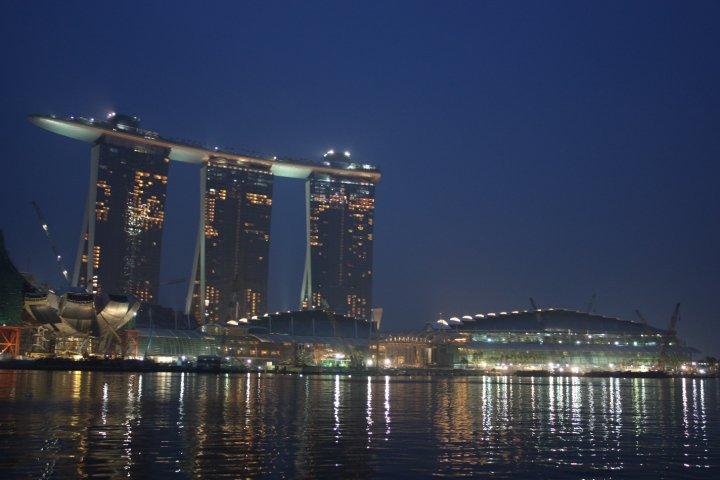 新加坡 – Pray4Asia