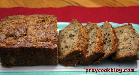 slice banana bread upclose