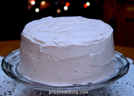 Christmas-Strawberry-cheesecake-cake-