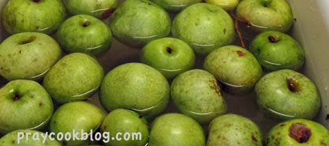 Granny smith apples sink
