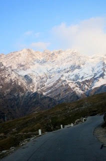 Road to Rohtang Pass