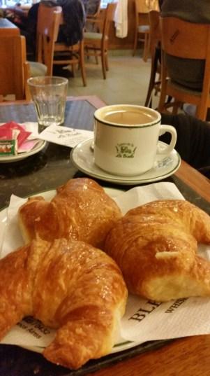 Cafe con leche at La Biela, Buenos Aires