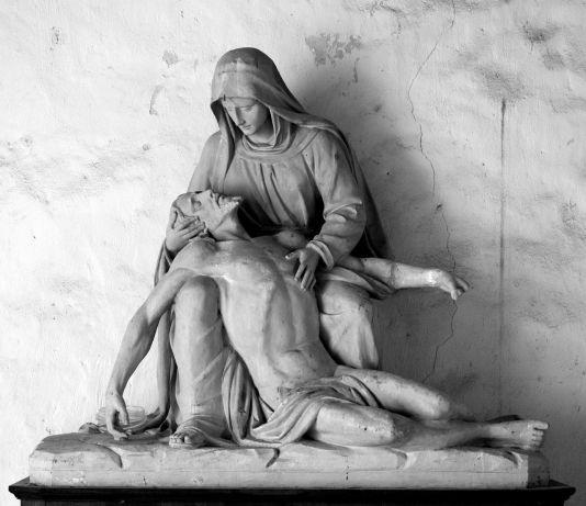 sculpture-1336427_1280.jpg