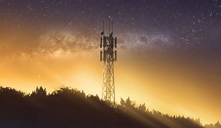 Radio Tower by Mclelun