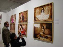 Dozens of beautiful photos of Roma fashion were displayed.