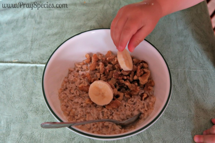 slices of banana into the oatmeal