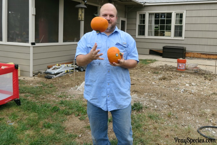 i-married-a-man-that-can-juggle-pumpkins