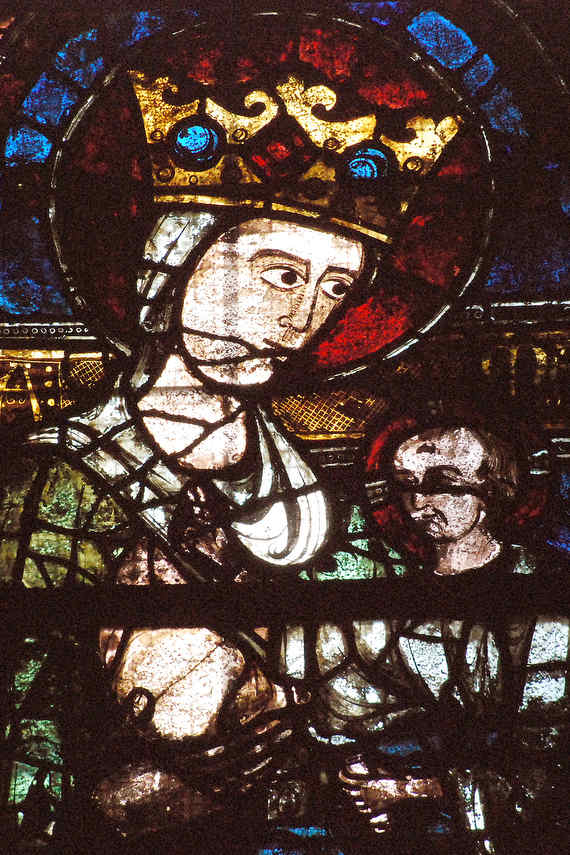 Mary offering her breast to Jesus, Clerstory window in the south nave