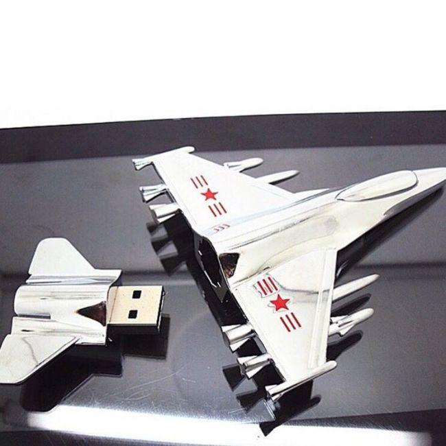 флешка самолет