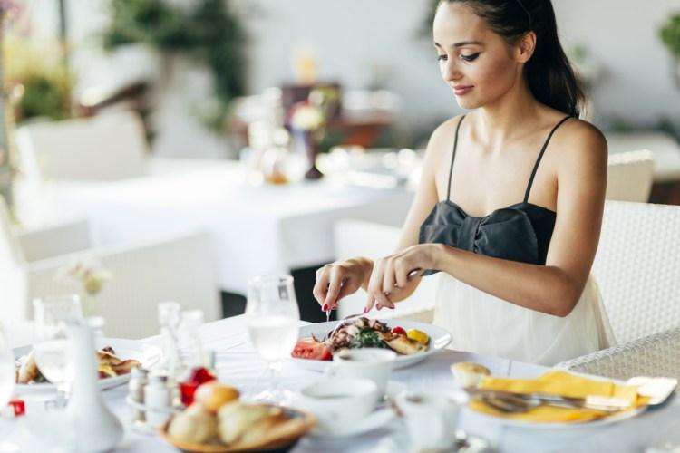 обед или ужин в ресторане