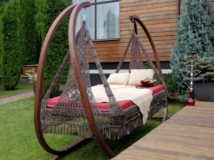 диван-качели для дачи