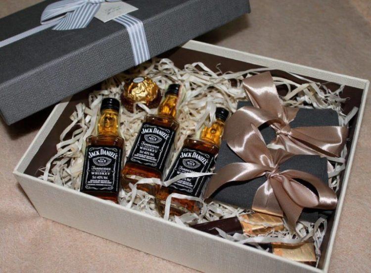 подарок любовнику