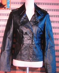 革のジャケットレディース