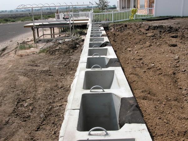 Precast Concrete Block Retaining Wall System