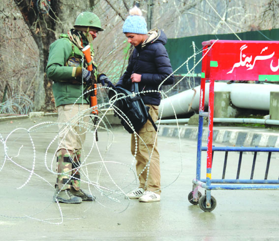 Security beefed up across Kashmir, snipers deployed in Srinagar