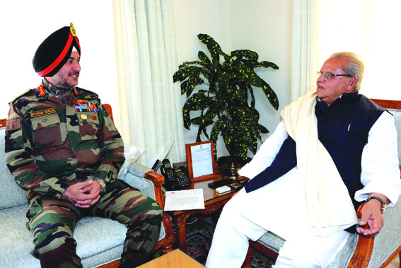 Northern army commander briefs Governor about security situation in JK
