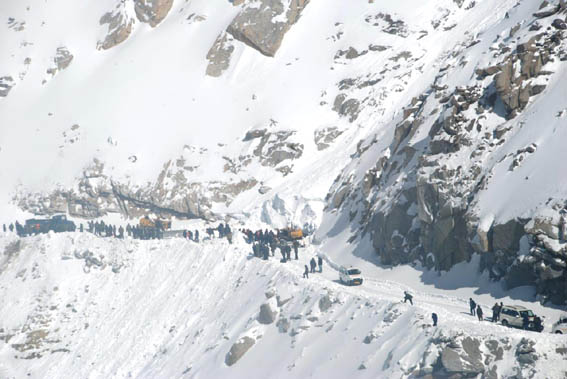 Five dead, as many missing as avalanche hits Khardung La in Ladakh