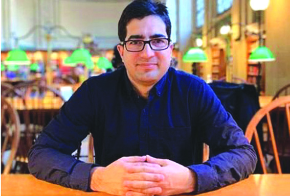Shah Faesal seeks donations for 'clean politics' in Kashmir