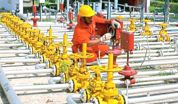 Natural gas price to be hiked by 10 per cent for ONGC, Reliance