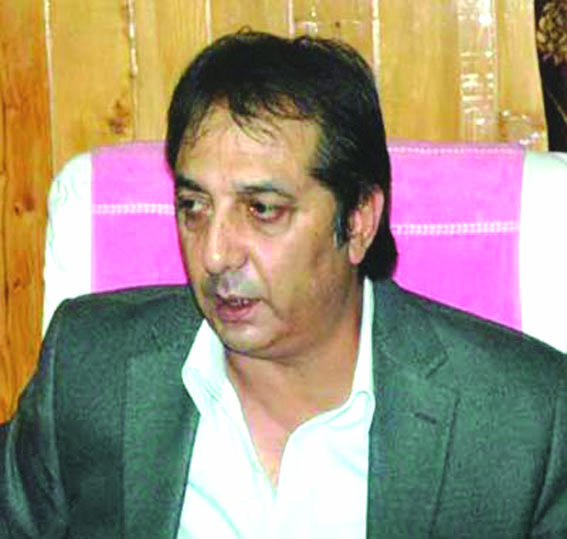 Sufficient stocks of medicines available in valley: Div Com