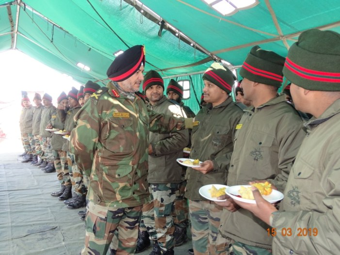 Northern Army Commander reviews security in Kashmir