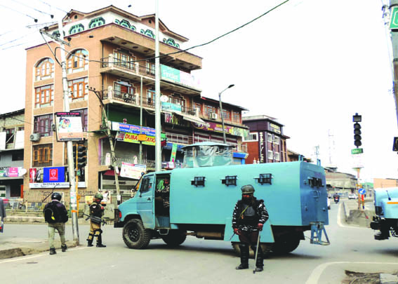 COVID-19: Restrictions remain in force for 20th day in J&K