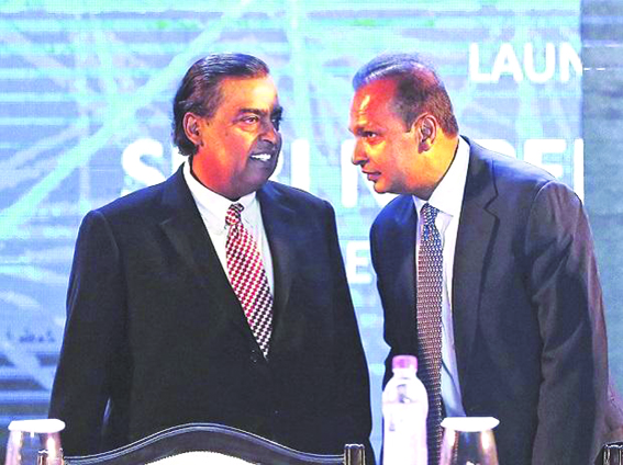 Mukesh Ambani may reap rewards from younger brother Anil's telecom woes