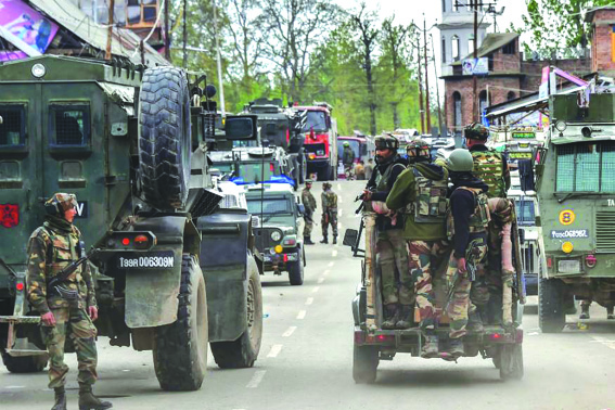 Four militants killed, three soldiers, cop injured in Pulwama gunfight