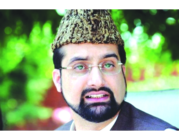 Mirwaiz returns home after questioning by NIA