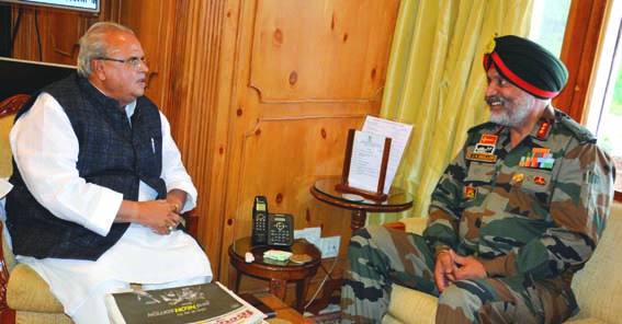 GoC 15 corps meets Guv; briefs him about security situation in Kashmir, along LoC