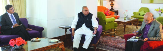 Governor reviews security scenario