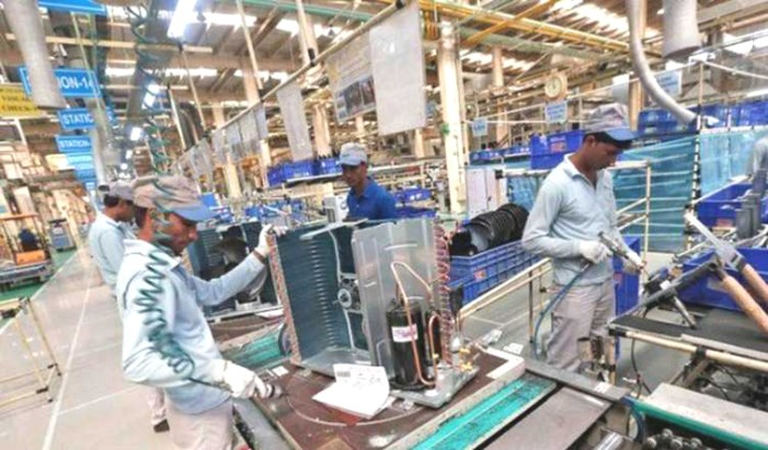 India's services sector output growth at 7-month low in April: PMI