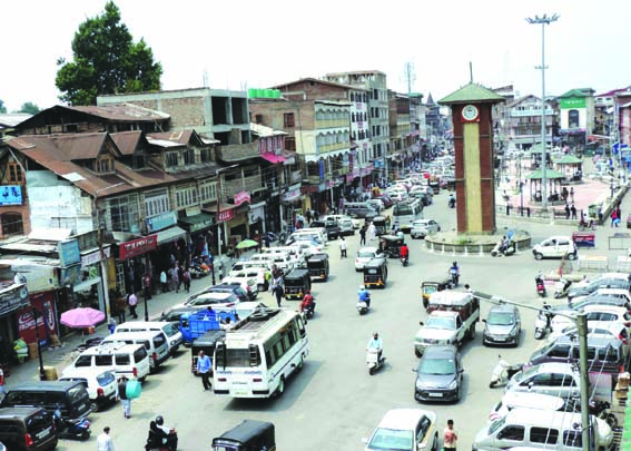 Life returns to normal after day-long strike in Kashmir