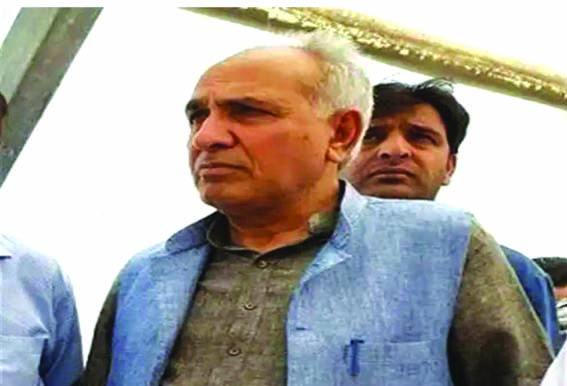 Khalil Bandh resigns from PDP, likely to join NC