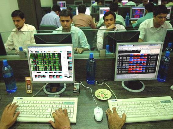 Sensex ends 463 points lower, Nifty below 11000; SBI dips 4.6%