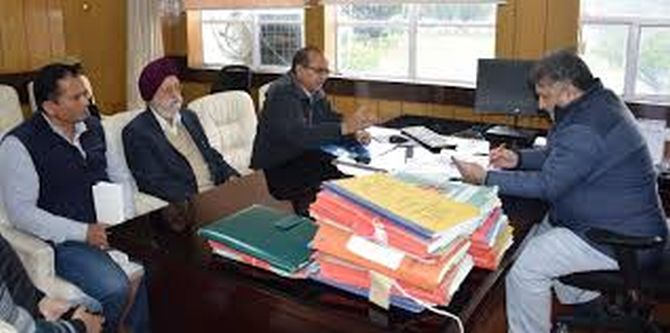 JK Admin's Outreach prog: People meet Administrative Secretaries at Civil Secretariat Jammu; projects issues, concerns