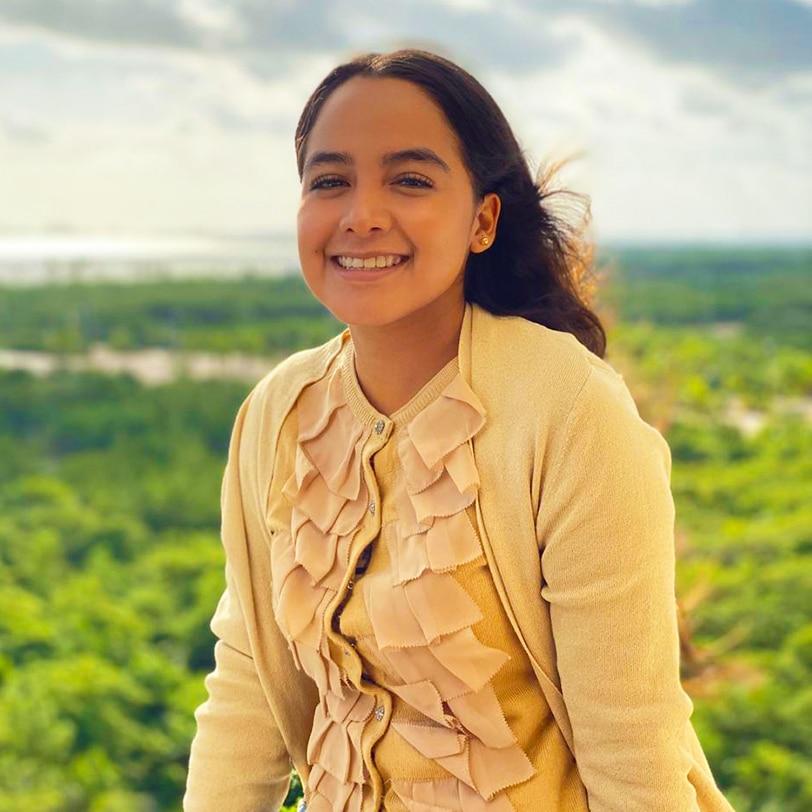 Mitzi García