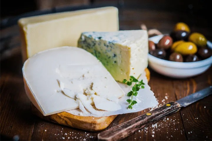 Foods to Avoid Giving Your Baby During the First Year: Soft Cheese