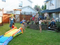 Throwing a Backyard Birthday Party For Your Child ...
