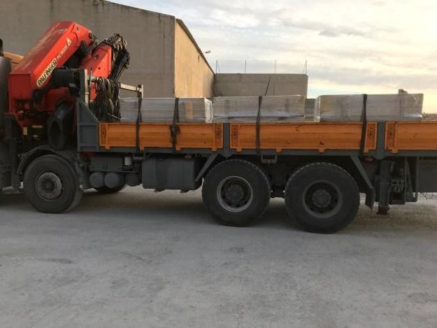 Transporte antes de mandar al cliente para que pueda  iniar el montaje de vallas prefabricadas