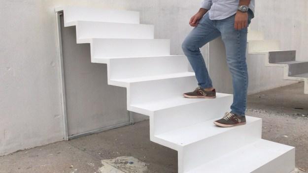 escalera de diseño en hormigón